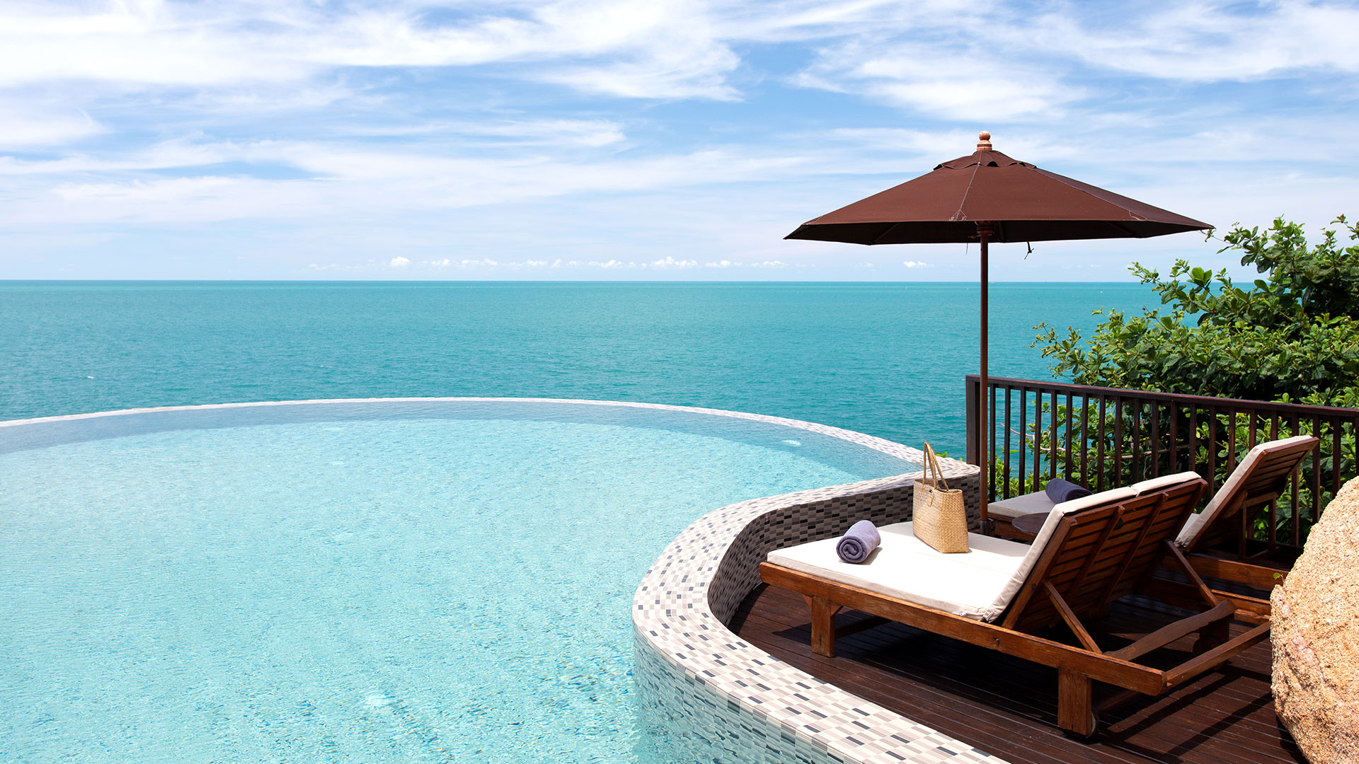 Ocean Front Pool Villa Suite Photo